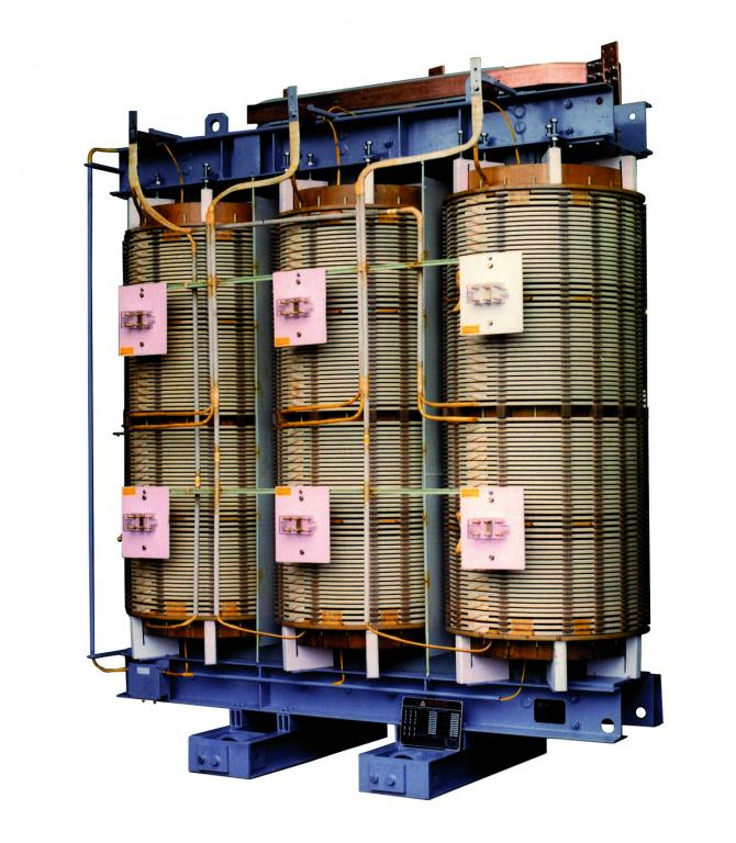 Air insulating transformer