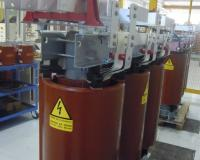 Cast resin transformer with special bars for nuclear application